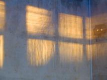 2001, Renovierung, Lichteinfall auf Wandecke
